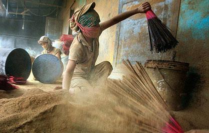 Các hoá chất độc hại trong nhang hoá chất - Trầm Hương Việt Nam